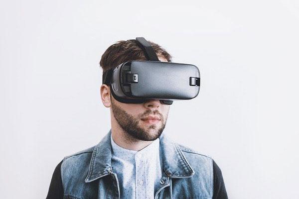 VR Headset   Foto: JESHOOTS-com, pixabay.com, Pixabay License